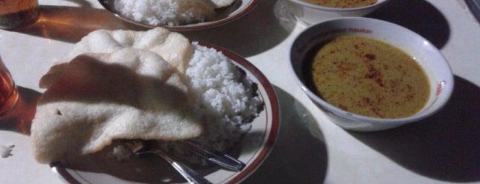 Nasi Gulai Mayestik is one of Food!!.