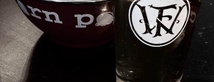 Woodland Farms Brewery is one of Tempat yang Disukai Chris.
