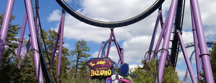 Bizarro is one of Tempat yang Disukai April.