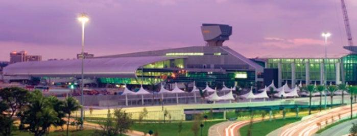 Aeroporto Internacional de Miami (MIA) is one of An All-Encompassing Guide to Miami's Art Scene.