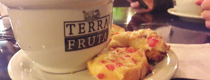Terra Fruta is one of Locais curtidos por Raffael.