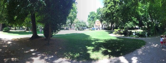 Jardin du Rocher is one of Troyes.