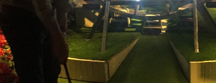 Swingers - Crazy Golf - West End is one of New London Openings 2018.