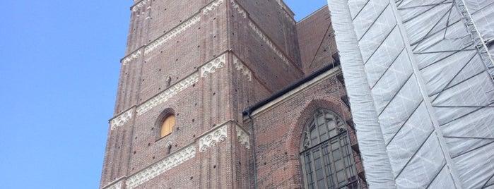 Dom zu Unserer Lieben Frau (Frauenkirche) is one of MUNICH SEE&DO&EAT.