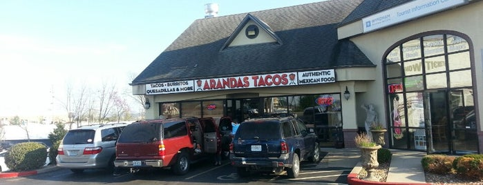 Arandas Tacos is one of Lugares guardados de Lizzie.