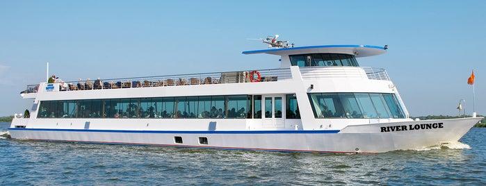 River Lounge RL is one of Tempat yang Disukai Frank.