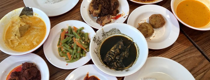 Rumah Makan Minang is one of Need to try.