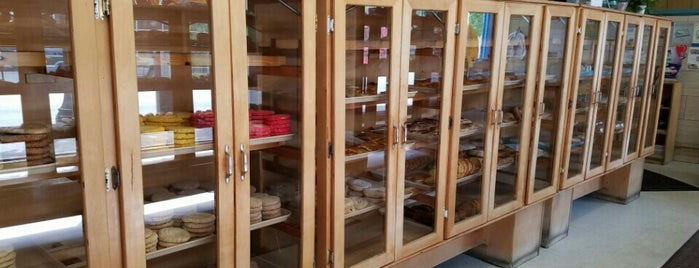 Artemio's Bakery is one of Chicago.