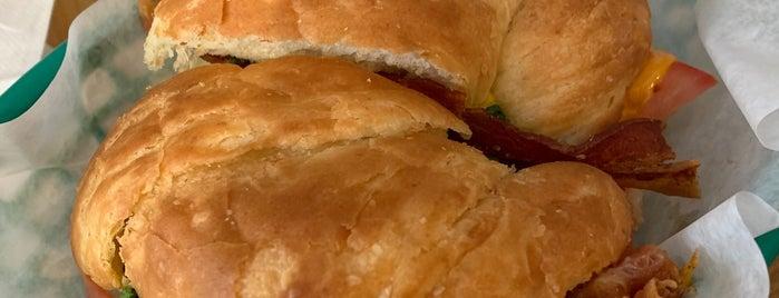 Battle Grounds Bakery & Coffee is one of Posti salvati di Rachel.