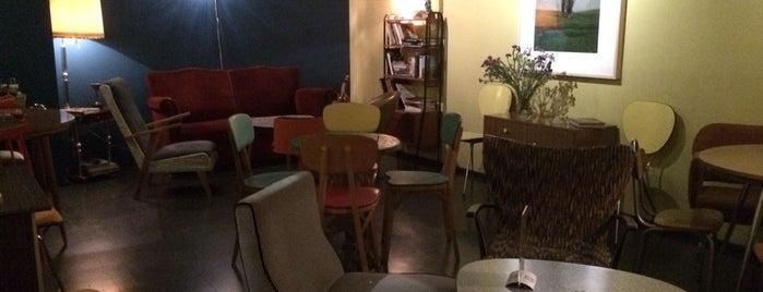 El Mentidero Café is one of Cafes y meriendas.