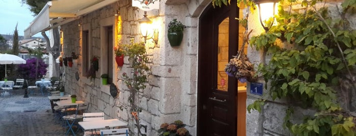 zeynep butik otel is one of Ayçaさんの保存済みスポット.