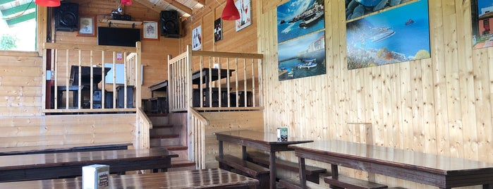 Guachinche La Casona is one of Tempat yang Disukai Adriana.