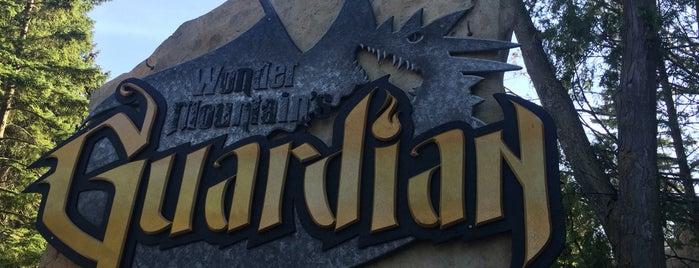 Wonder  mountain's Guardian is one of สถานที่ที่ Fiona ถูกใจ.