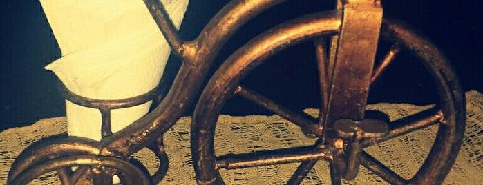 Maria y su bici Choza Pequeña is one of Querétaro, QRO.