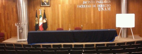 Aula Magna Jacinto Pallares is one of Locais curtidos por Christopher.