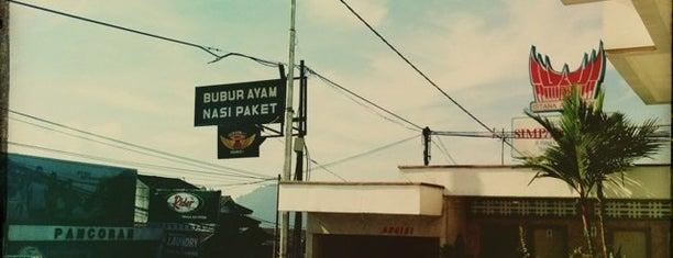Senjaya Hotel & Villa is one of Tempat yang Disukai Yahudha.