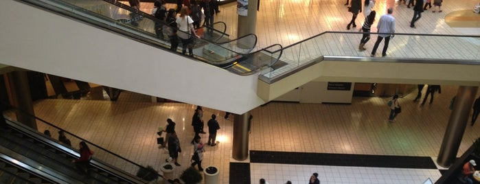 Beverly Center is one of Los Angeles Spots.