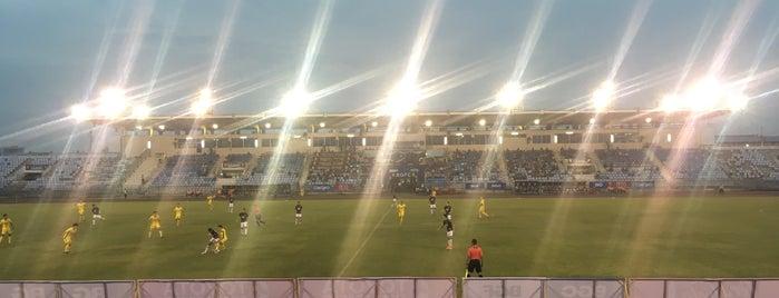 สนามกีฬากองทัพอากาศ ธูปะเตมีย์ is one of สถานที่ที่ Glouykai ถูกใจ.