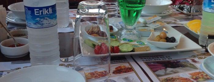 HANEDAN Cafe & Nargile is one of Gespeicherte Orte von Umut Deniz.