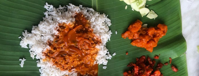 Raj's Banana Leaf is one of KL - streetfood.