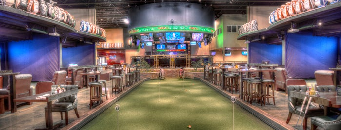 Dewey's Indoor Golf & Sports Grill is one of Posti che sono piaciuti a Libby.