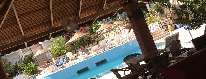 Bronze Hotel is one of azmi : понравившиеся места.