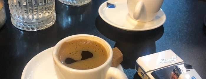 Brew Coffee Works is one of Locais curtidos por Samet.