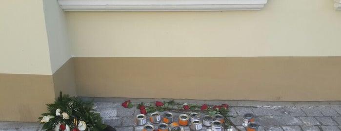Turkish Embassy is one of สถานที่ที่ Greta ถูกใจ.