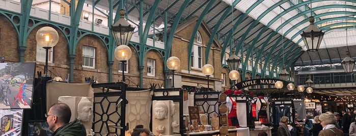 Covent Garden is one of Betülさんのお気に入りスポット.