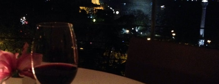 Topaz Restaurant is one of İSTANBUL GURME MEKANLAR.