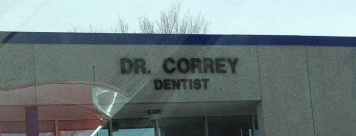 Hilltop Dental Clinic is one of สถานที่ที่ Kathy ถูกใจ.