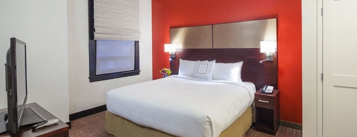 Residence Inn is one of Lugares favoritos de Carlos.