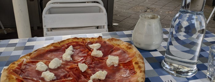 De Pizzabakkers is one of Amsterdam.