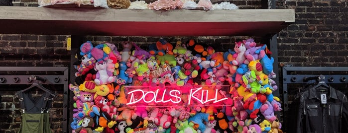 Dolls Kill is one of halloween ladiez.