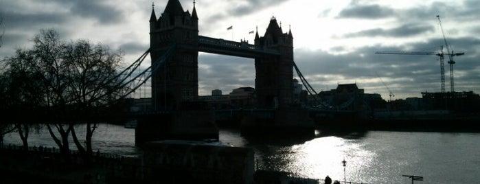 Torre de Londres is one of London.