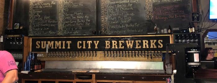 Summit City Brewerks is one of Tempat yang Disukai John.