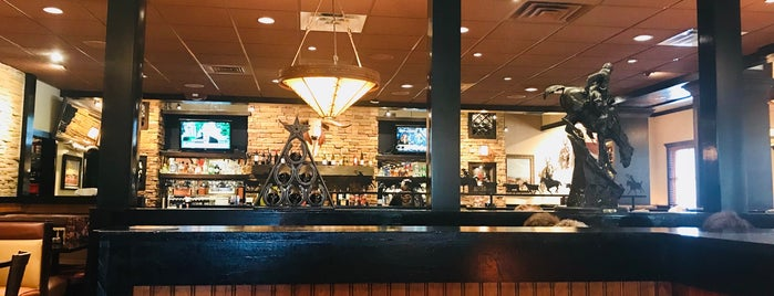 LongHorn Steakhouse is one of Lugares favoritos de Ranjit.
