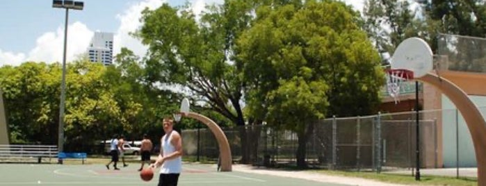 Flamingo Park Basketball Courts is one of M I A M I.