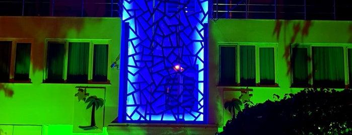 Bonita Hotel is one of Locais curtidos por Murat karacim.