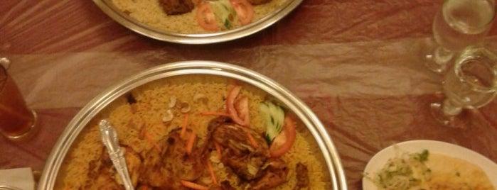 Abunawas Restaurant is one of Lieux qui ont plu à Tony.