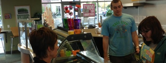 Tree City Juice & Smoothie Cafe is one of Boise.