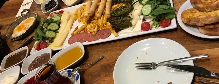Mahalle Cafe&Restaurant is one of Posti che sono piaciuti a Gül 🌹.