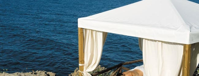Mezzatorre Resort & Spa is one of Napoli.