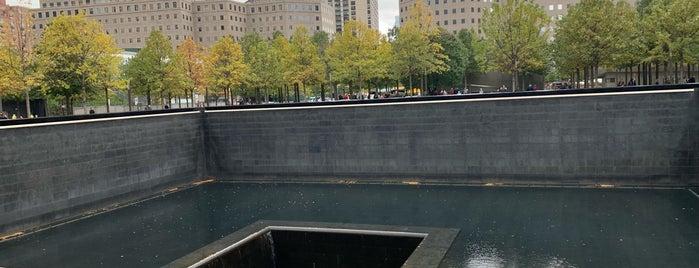 9/11 Memorial South Pool is one of Lugares favoritos de Laetitia.