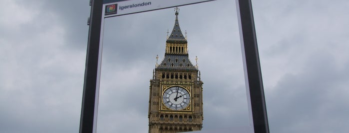 Elizabeth Tower (Big Ben) is one of Spring Famous London Story.