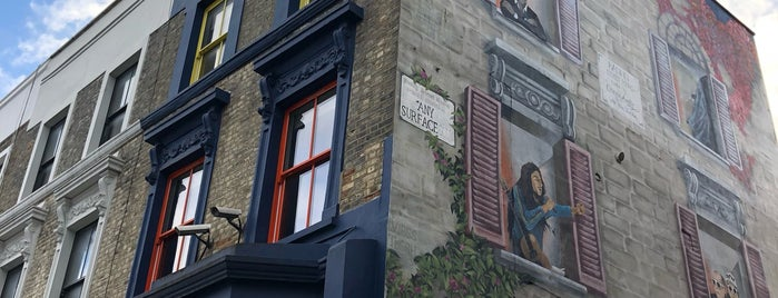 Anysurface Mural is one of London Stories.