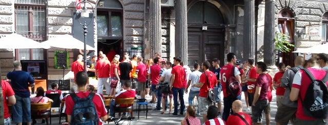 Pause Café, Bár, Galéria is one of Budapest.