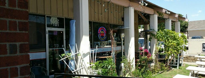 Simply Thai Bistro is one of Fernandoさんの保存済みスポット.