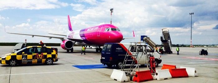 부다페스트 페렌츠 리스트 국제공항 (BUD) is one of International Airport Lists (2).