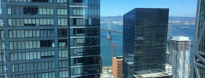 WeWork Salesforce Tower is one of Orte, die Jaden gefallen.
